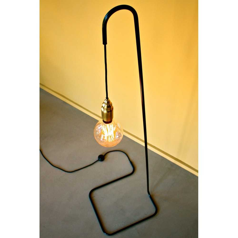 lampadaire minimaliste design daniel gallo les nouveaux. Black Bedroom Furniture Sets. Home Design Ideas