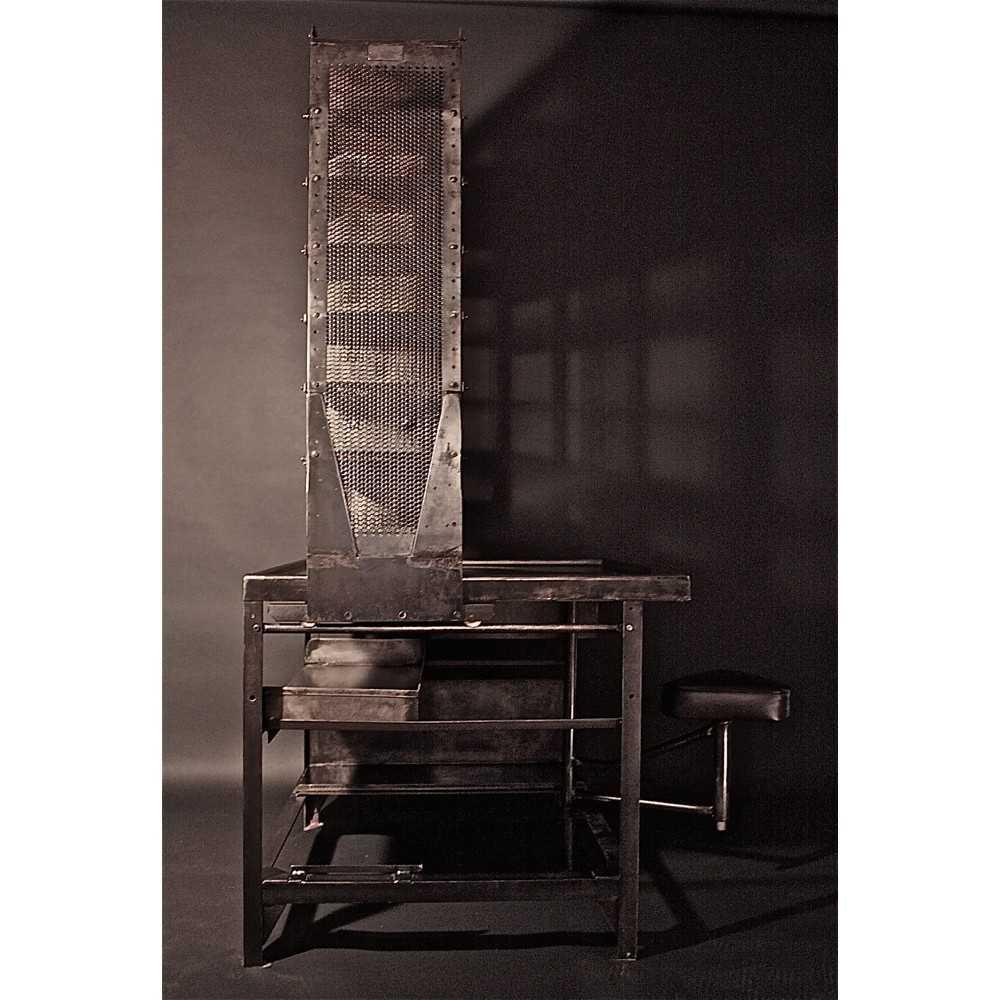 bureau de tri postal mobilier industriel les nouveaux brocanteurs. Black Bedroom Furniture Sets. Home Design Ideas