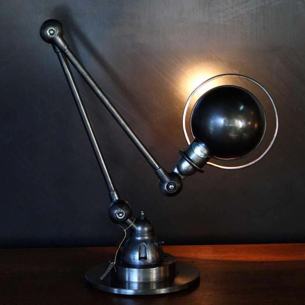 Ancienne lampe industrielle jielde poser les nouveaux for Lampe a poser industrielle