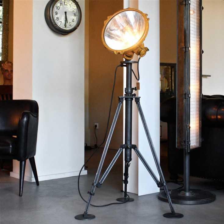 projecteur industriel de marque bbt les nouveaux brocanteurs. Black Bedroom Furniture Sets. Home Design Ideas