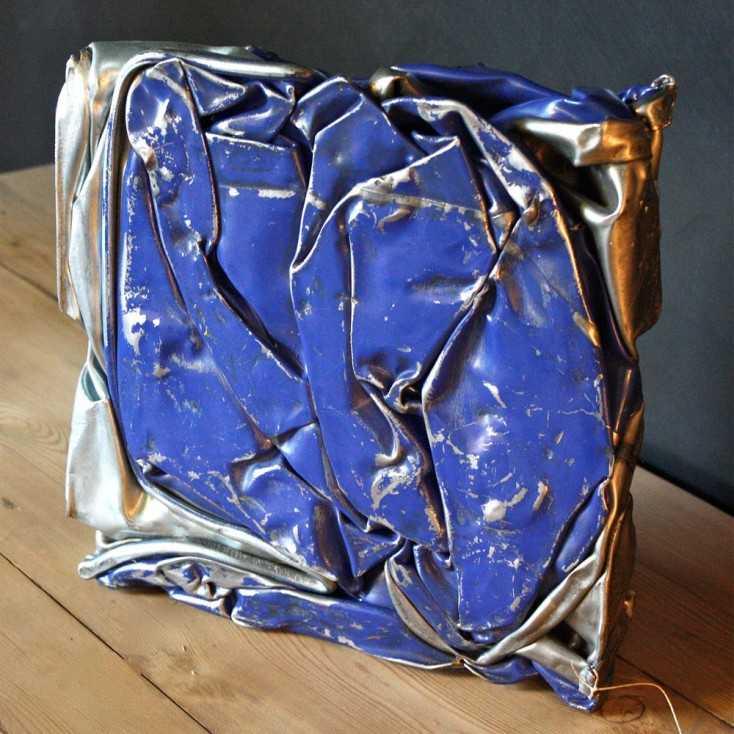 Compression métallique bleue