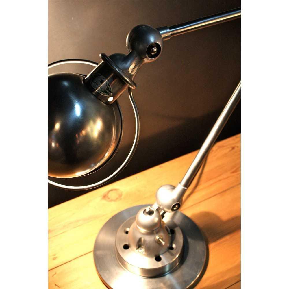 ancienne lampe industrielle jielde 2 bras les nouveaux brocanteurs. Black Bedroom Furniture Sets. Home Design Ideas
