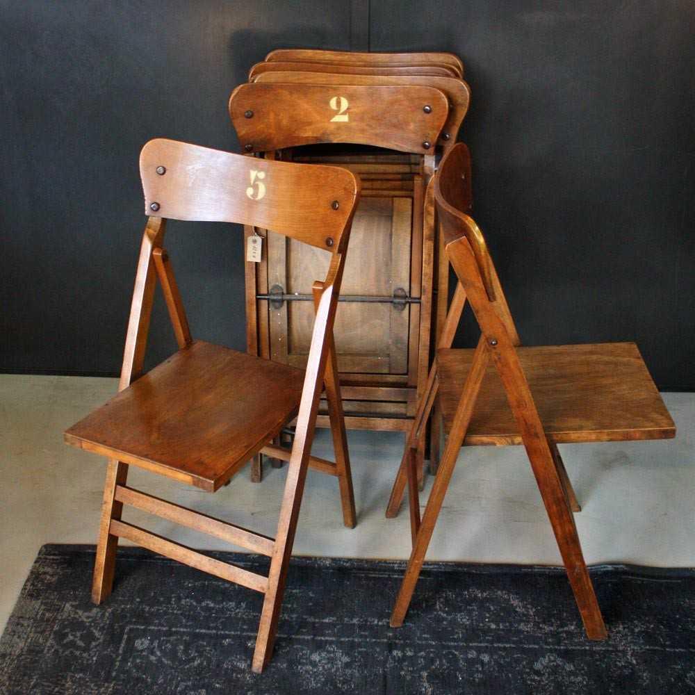 anciennes chaises de th tre pliantes les nouveaux brocanteurs. Black Bedroom Furniture Sets. Home Design Ideas
