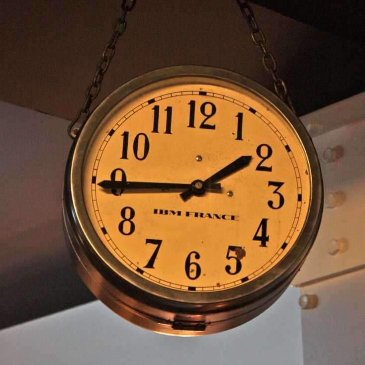horloge industrielle double face ibm france les nouveaux brocanteurs. Black Bedroom Furniture Sets. Home Design Ideas