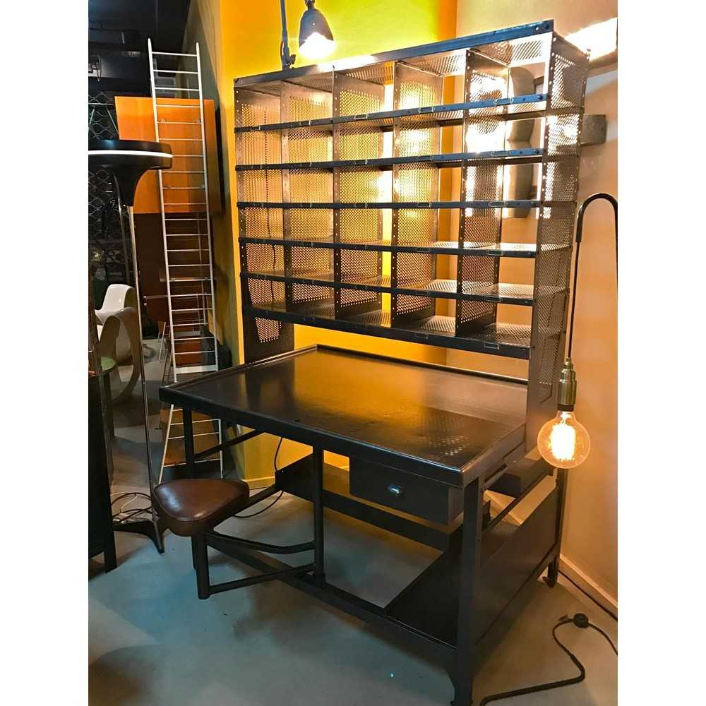 casier industriel de tri postal les nouveaux brocanteurs. Black Bedroom Furniture Sets. Home Design Ideas