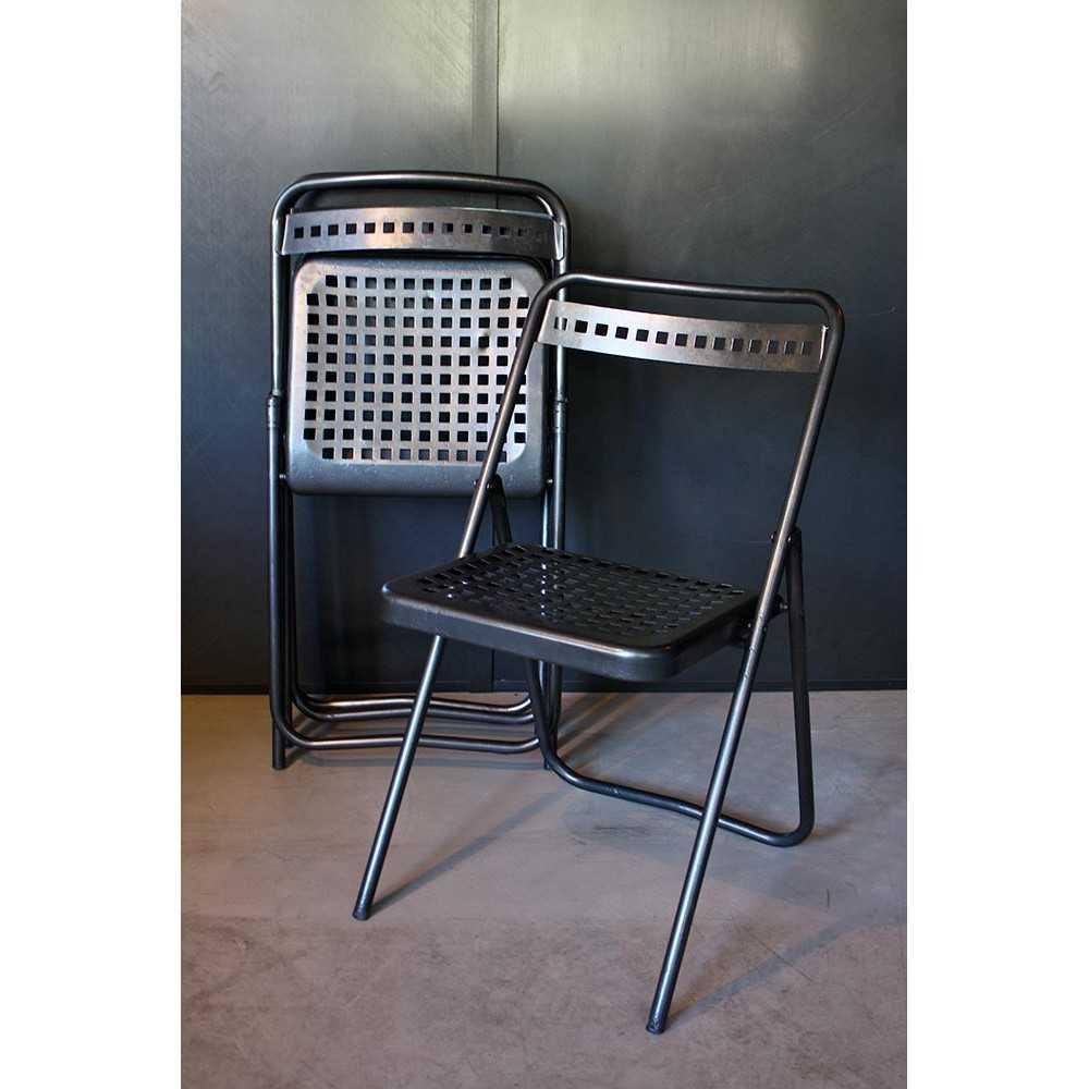 Chaise pliante en métal - Les Nouveaux Brocanteurs