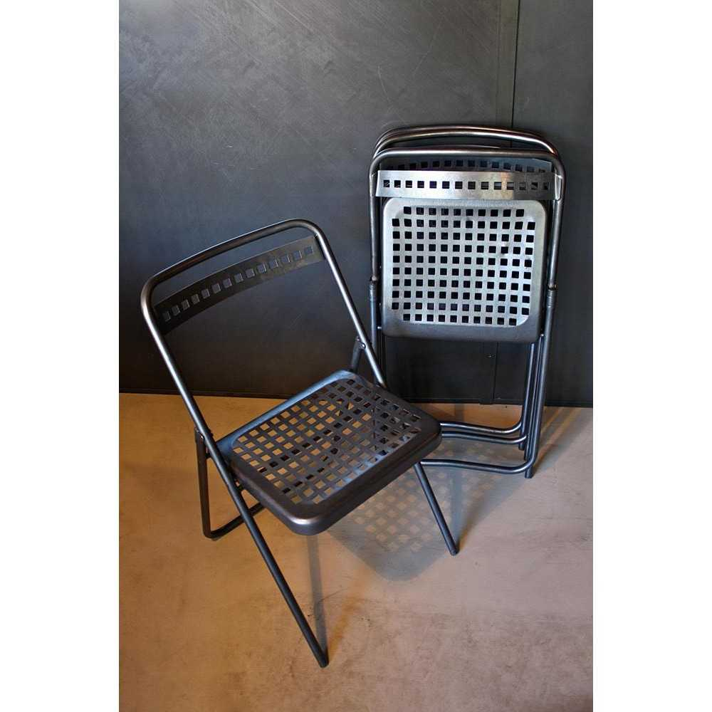 chaise pliante en m tal les nouveaux brocanteurs. Black Bedroom Furniture Sets. Home Design Ideas