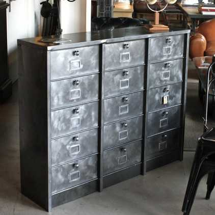 mobilier industriel meubles de m tier paris les nouveaux brocanteurs. Black Bedroom Furniture Sets. Home Design Ideas