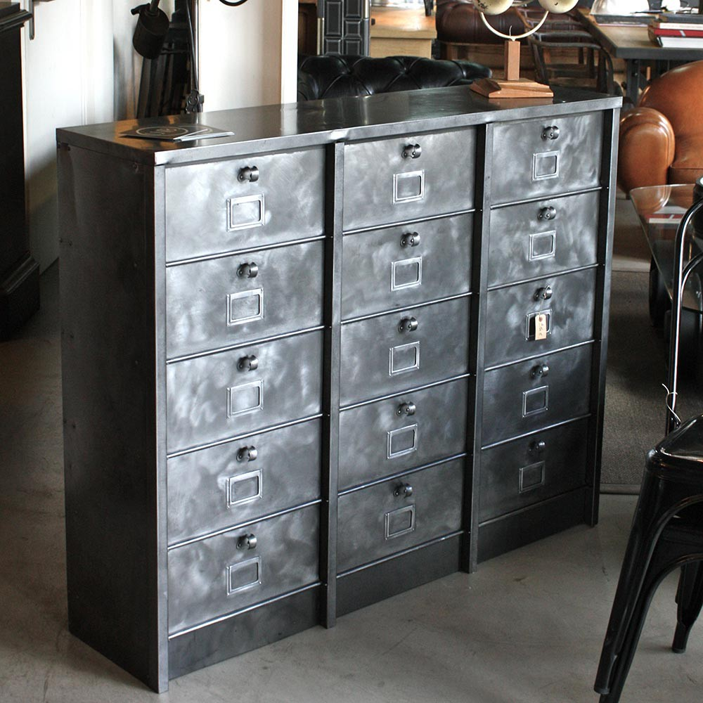 l or du temps meuble industriel trendy meuble d angle industriel beau bureau industriel pas. Black Bedroom Furniture Sets. Home Design Ideas