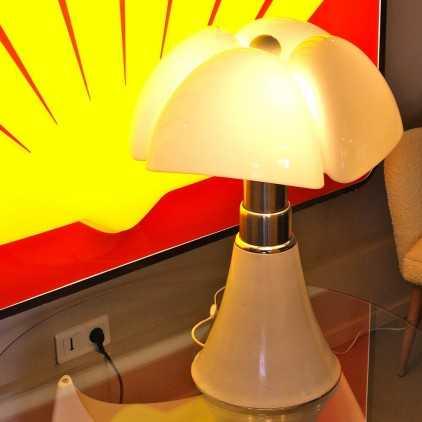 Lampe vintage Pipistrello de Gae AULENTI