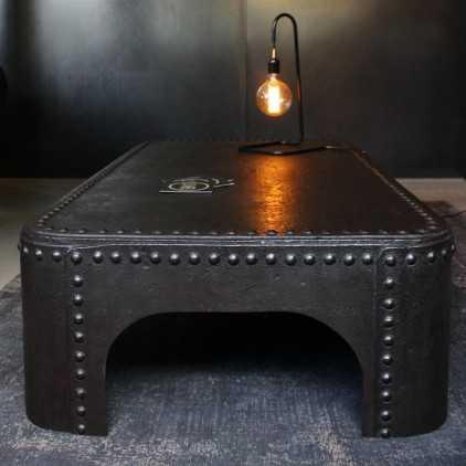 vielle table basse en brocante