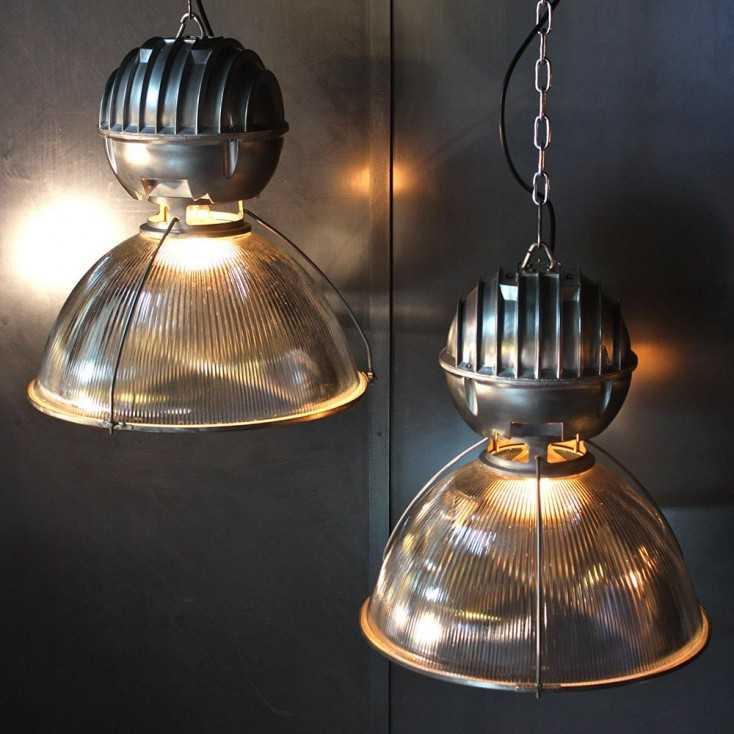 suspension industrielle holophane les nouveaux brocanteurs. Black Bedroom Furniture Sets. Home Design Ideas