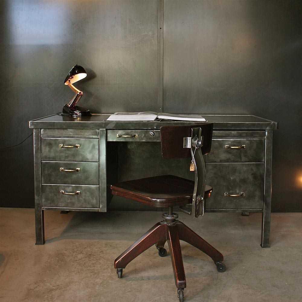 bureau strafor mobilier industriel les nouveaux brocanteurs. Black Bedroom Furniture Sets. Home Design Ideas