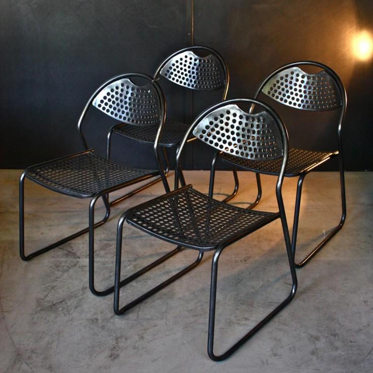 Chaises empilables en métal