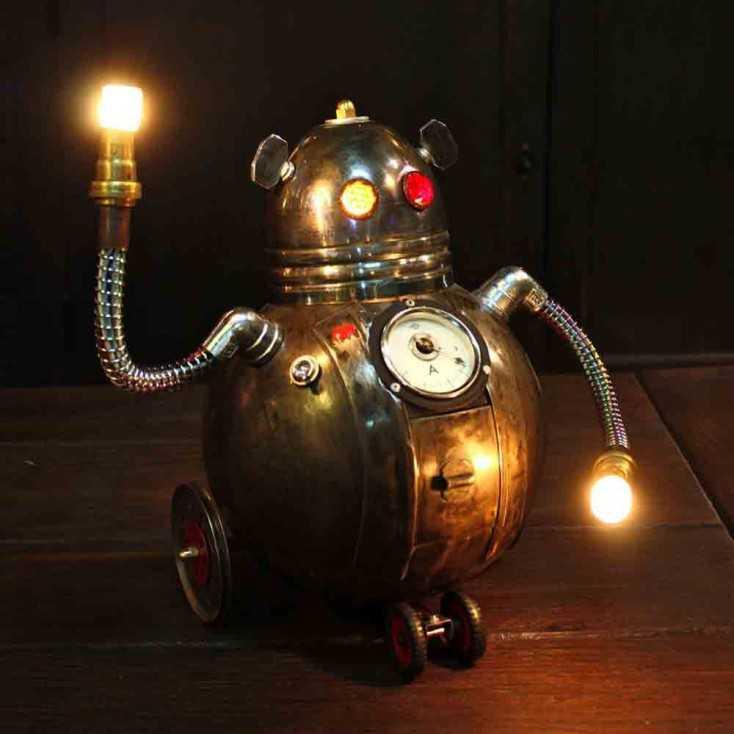 Petit robot lumineux en métal