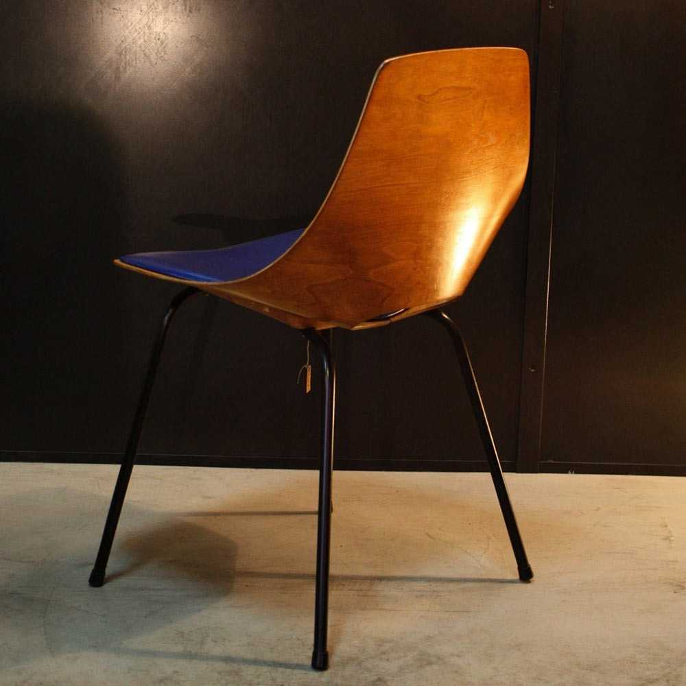chaise tonneau pierre guariche les nouveaux brocanteurs. Black Bedroom Furniture Sets. Home Design Ideas