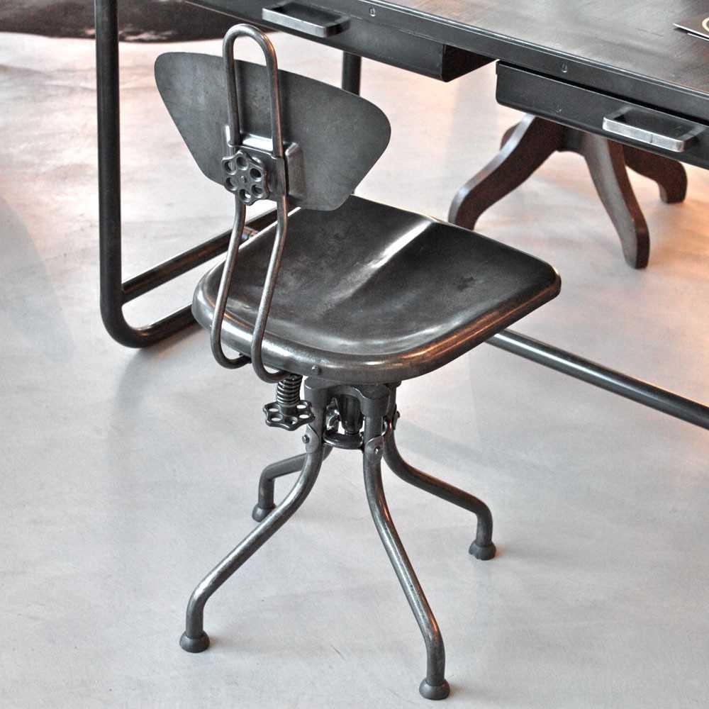 Chaise industrielle flambo les nouveaux brocanteurs for Chaise industrielle