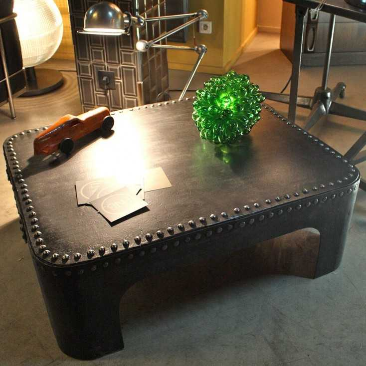 Table basse industrielle rivetée
