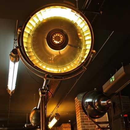 Scialytique - grande lampe médicale de marque BBT