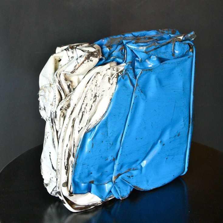 Compression métallique coloris bleu azur et blanc