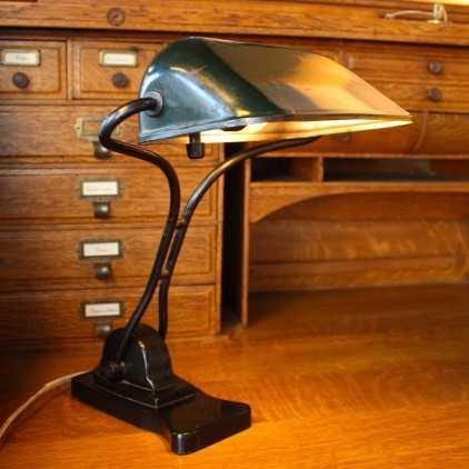 Ancienne lampe de notaire