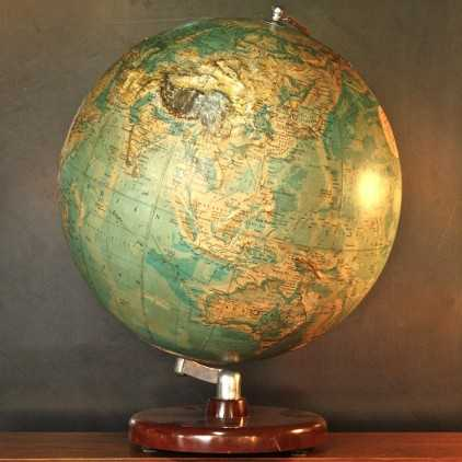 Ancien globe terrestre Philips