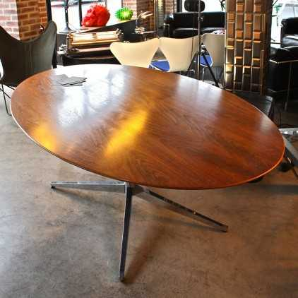 Table ovale Florence Knoll