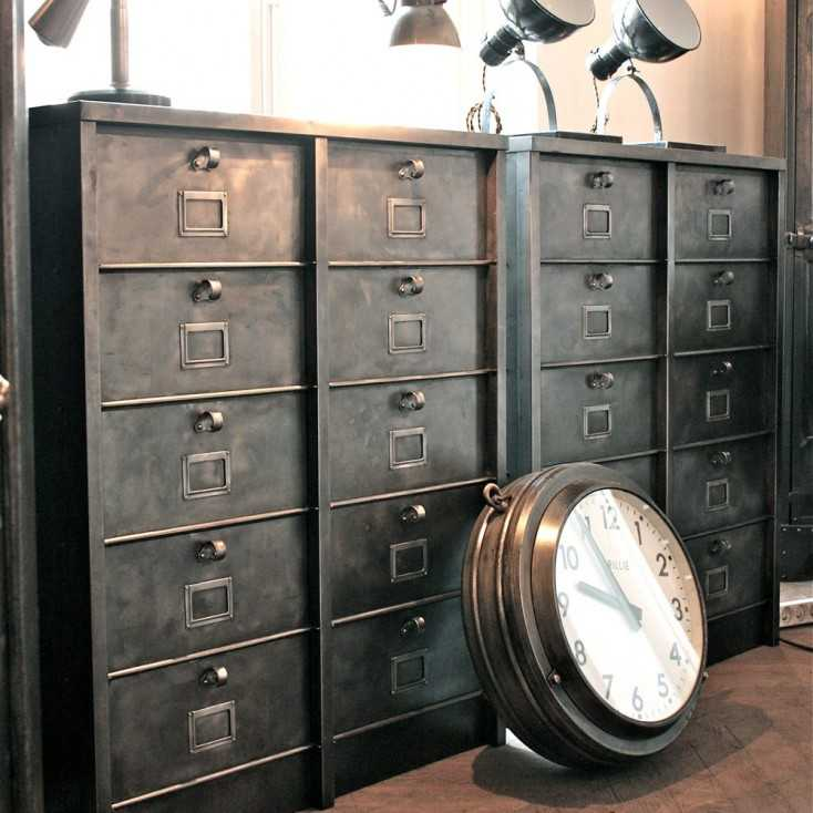 meuble industriel strafor les nouveaux brocanteurs. Black Bedroom Furniture Sets. Home Design Ideas