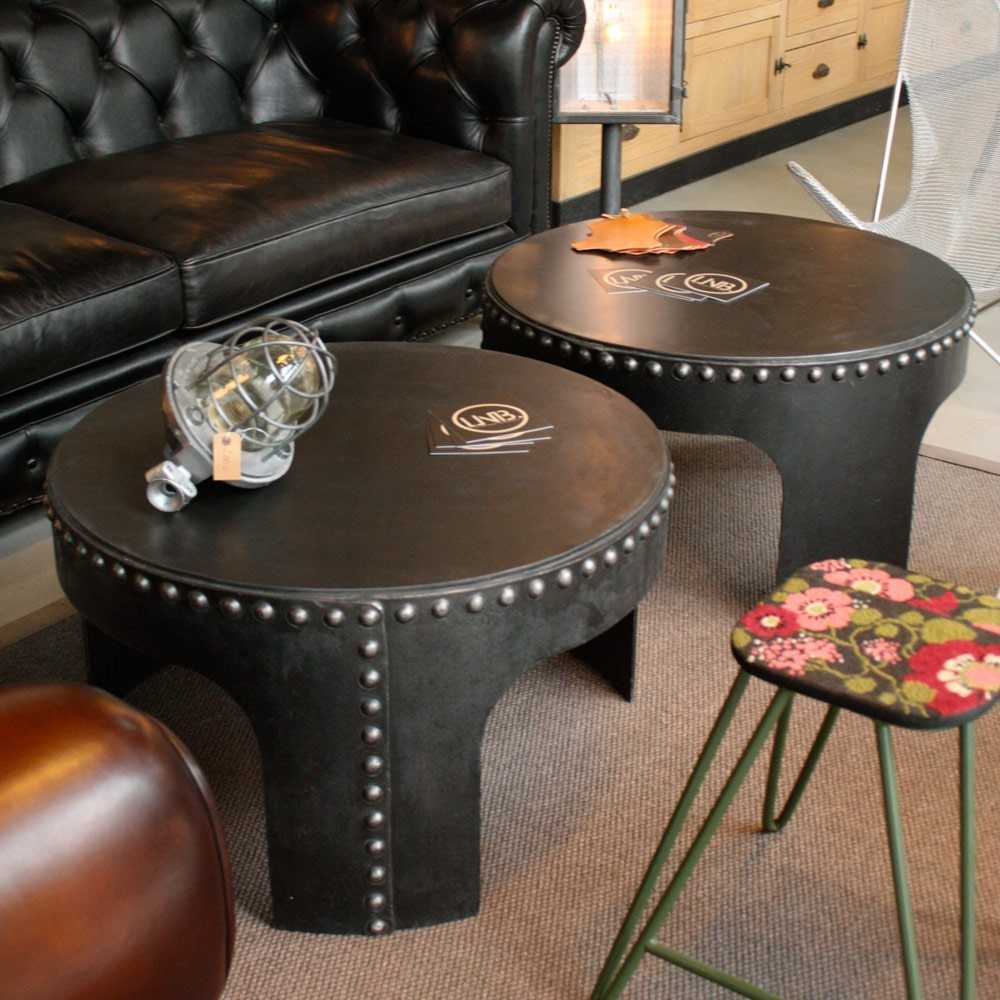 table basse industrielle rivet e les nouveaux brocanteurs. Black Bedroom Furniture Sets. Home Design Ideas