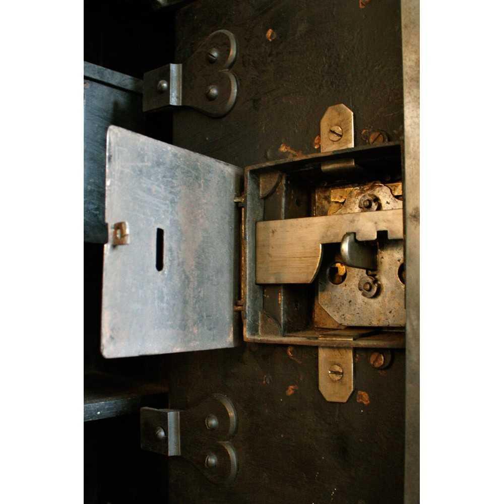Coffre fort ancien les nouveaux brocanteurs for Runescape xp table 1 99