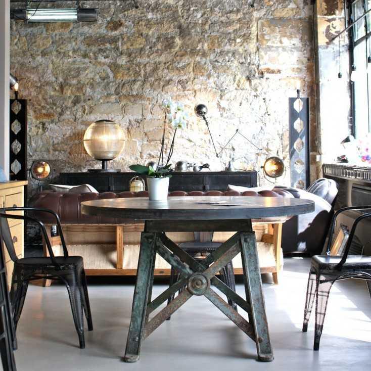 Table ronde industrielle les nouveaux brocanteurs - Restaurant table ronde paris ...