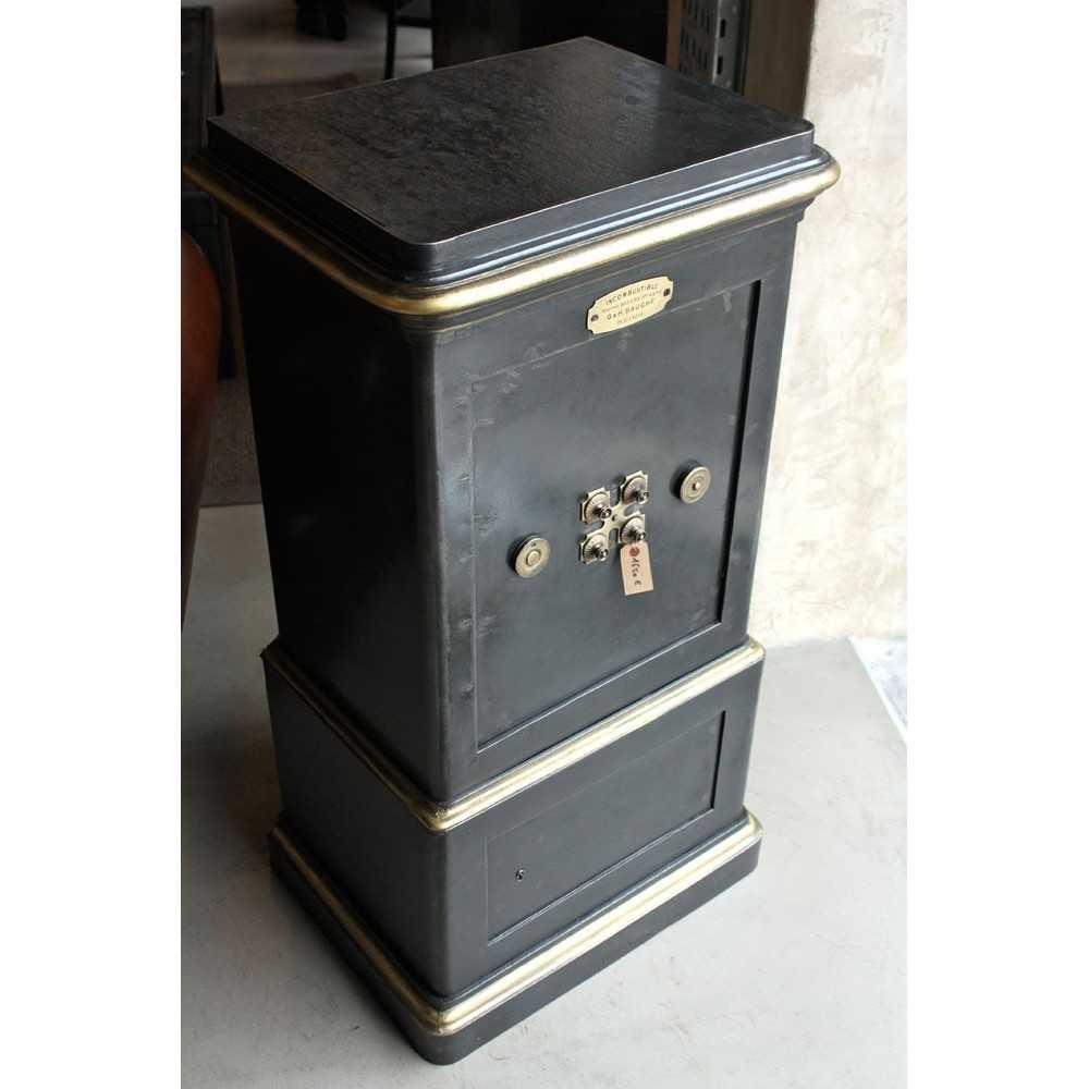 petit coffre fort bauche les nouveaux brocanteurs. Black Bedroom Furniture Sets. Home Design Ideas