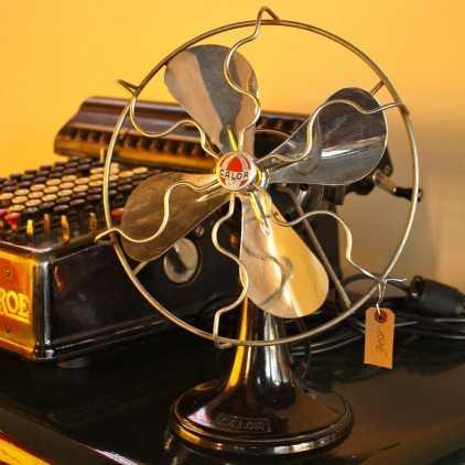 "Vintage french fan in bakelite""Calor"""