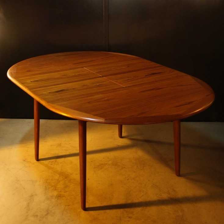 Table ronde scandinave origine Danemark