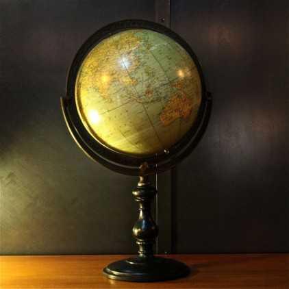Globe terrestre de style Napoléon III