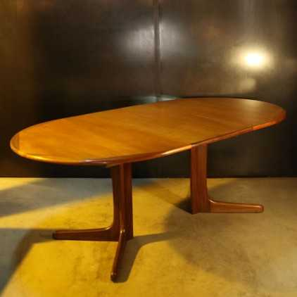 Table en teck de Niels Otto Moller