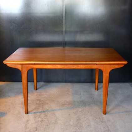Table en teck Tricoire et Vecchione