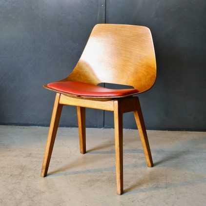 Chaise tonneau «Pierre Guariche »